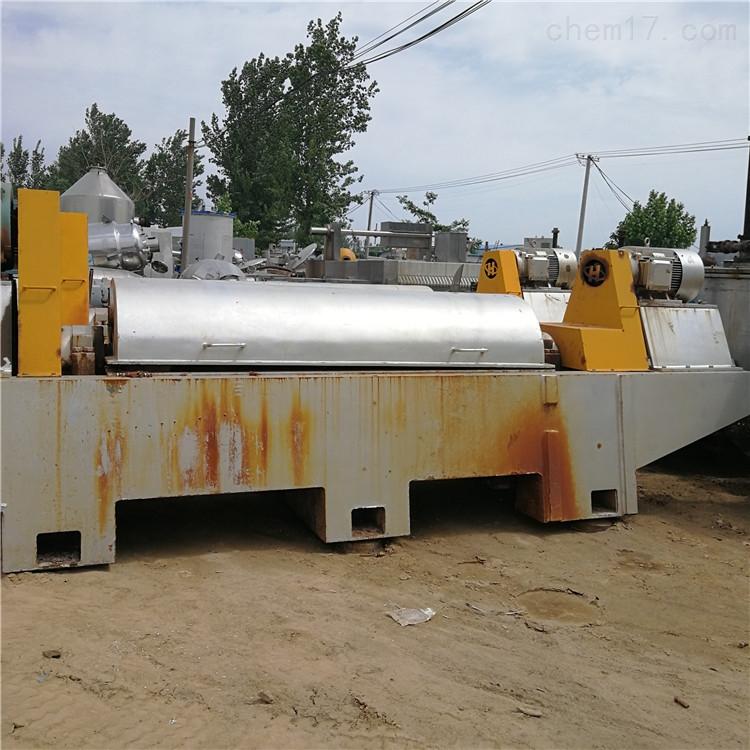 出售多台二手重庆江北250螺旋卸料沉降离心机
