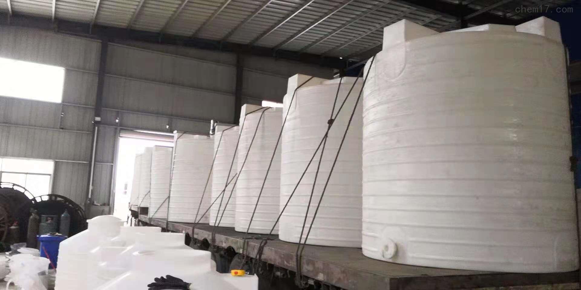 10吨塑料水箱防腐