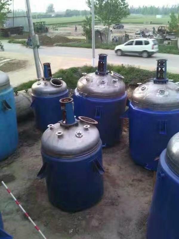 6吨钛材质反应釜高价回收二手6吨左右钛材质反应釜