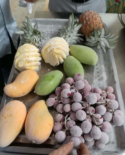 液氮冷冻水果