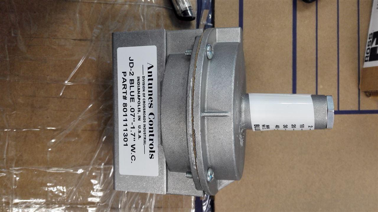 JD-2开关是一款紧凑,灵敏的空气压力开关,由坚固的压铸铝制成。它具有可调整的设定点,设定点指示和可见的ON-OFF指示器,以提供您所需的准确性和可靠性。 低压开关 Easterseals Crossroads收购了 AJ Antunes &Co.的压力开关产品线,为该地区带来了十多份工作,并在印第安纳波利斯扩大了我们的十字路口工业服务(CIS)部门,以产生更多的国际影响力。 我们收购的Antunes Control产品线用于商用锅炉和暖通空调应用,之前位于伊利诺伊州的Carol Stream,在中国苏