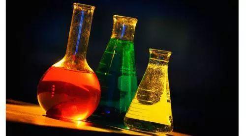 (3)不得通过非法途径购买(获取),私下转让危险化学品.